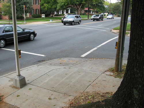 Figure 6-10. The APS should be located on the intersection side of the pole, as shown in this photo